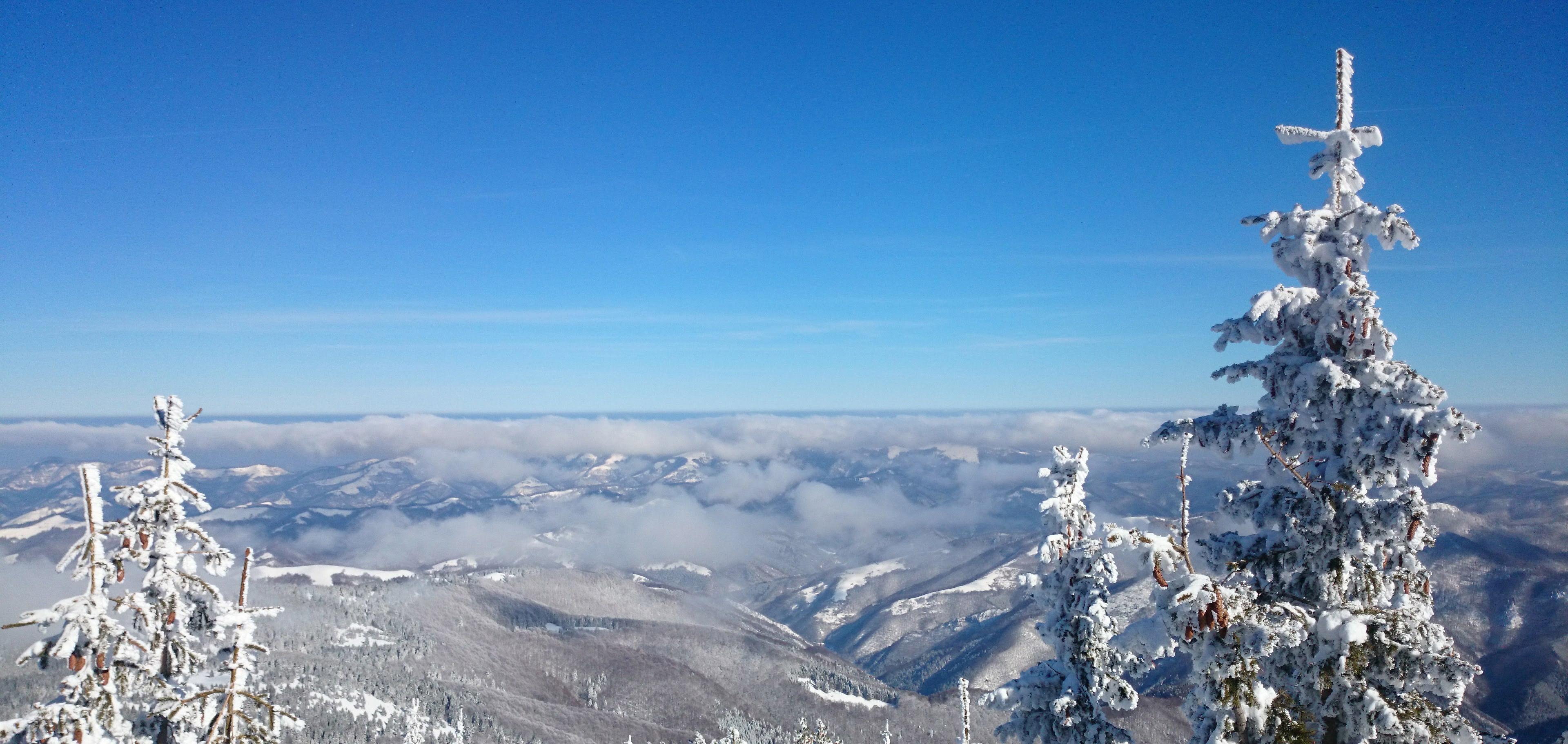 В периода 7 – 9 февруари ще се отправим към билото на Западна Стара планина. Ще направим преход по основното било между прохода Петрохан и връх Ком.